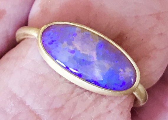 Solid purple pipe opal amd solid 18k gold ring