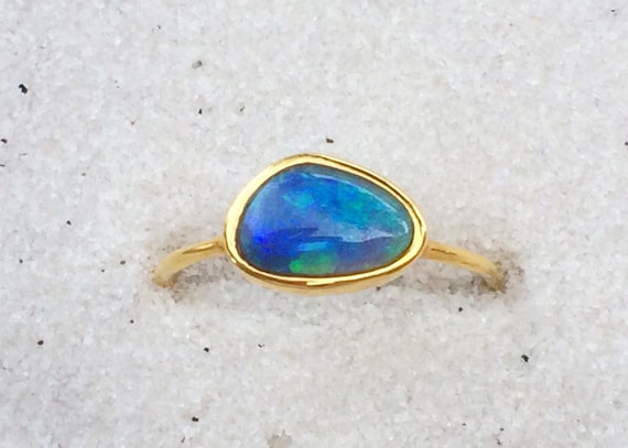 Blue green opal and solid 18k gold ring lighting ridge australian opal
