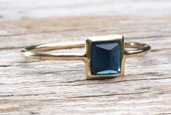 Blue tourmaline, indicolite pyramid  and solid 18k gold ring