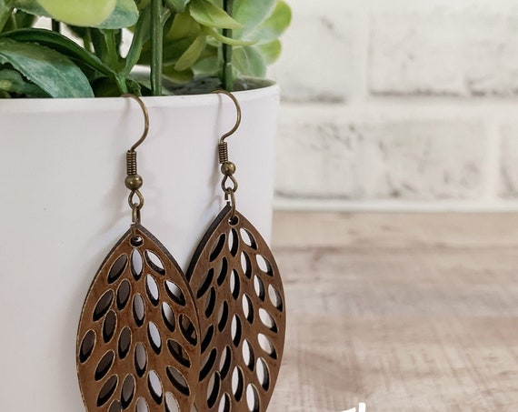 Cali Earrings  | Wood Earrings |  Boho Earrings | Western Earrings | Lightweight Earrings |Leaf Earrings | Earrings