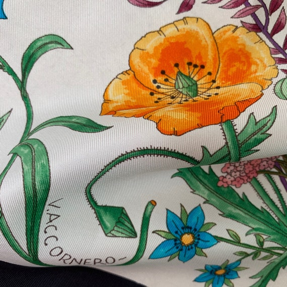 Vintage 70s Gucci Accornero Flora Silk Scarf! - image 6