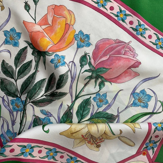 Vintage 70s Gucci Accornero silk scarf! - image 7