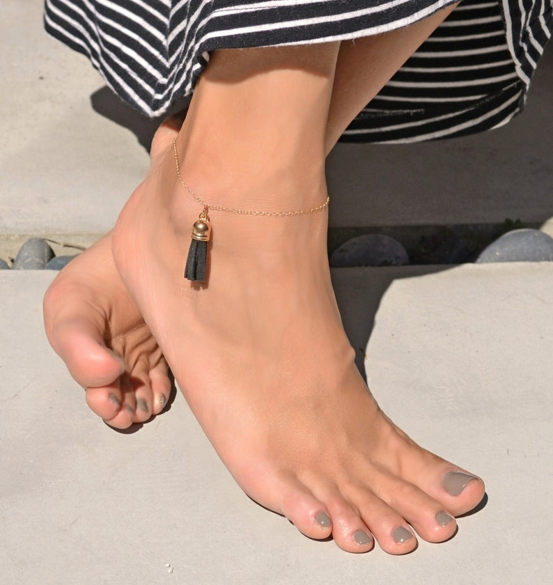 Boho anklet, Tassel ankle bracelet/ 14k gold filled thin ankle chain, beach  anklet