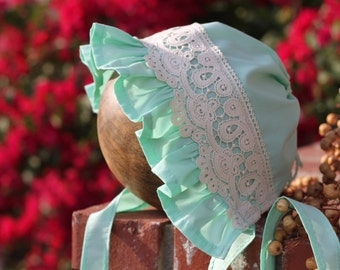Mint Bonnet with Ruffle and Lace. 100% Cotton. Matching to Mint Tunic. Made to Order