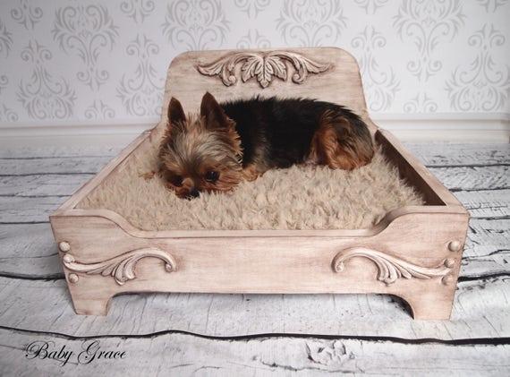lit pour petit chien bois lit pour chien en bois lit pour etsy. Black Bedroom Furniture Sets. Home Design Ideas