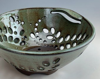 small BERRY BOWL   rustic fruit bowl, gourmet centerpiece, country colander, spotted sage glaze, intricate swirling leaves, leaf handle