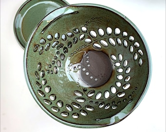 med rustic green BERRY BOWL   ceramic fruit bowl, green centerpiece, ceramic colander, spotted sage glaze, intricate swirling leaf leaves