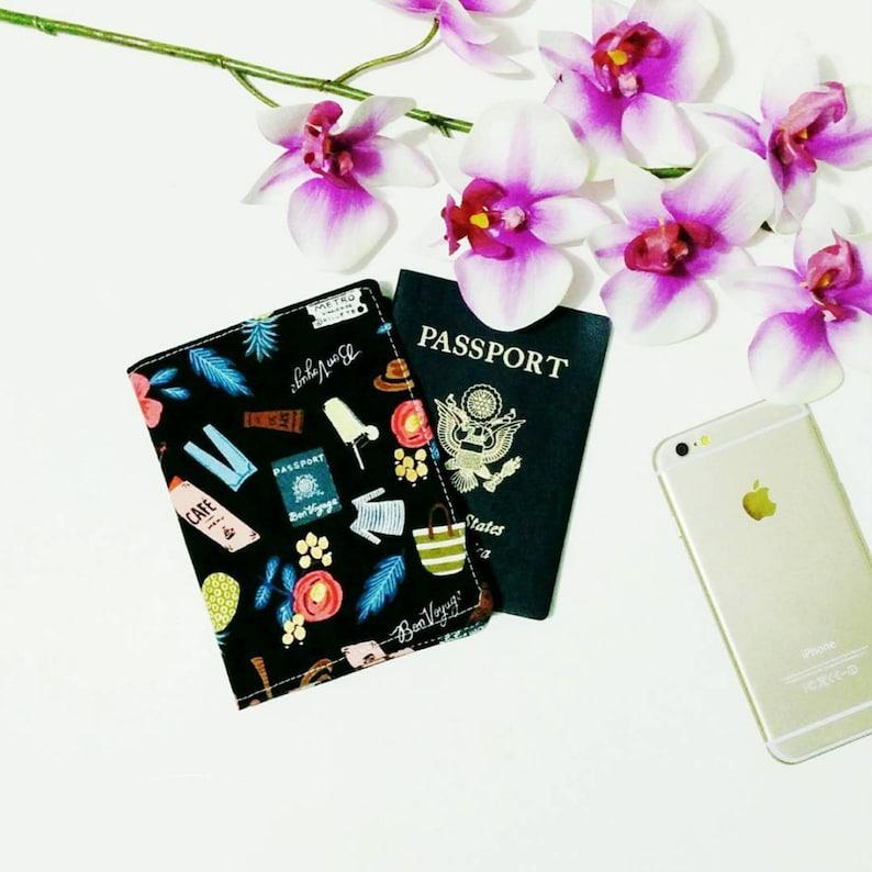 Passport Wallet // Rifle Paper Co Travel Organizer  Midori image 0