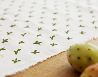 Cactus linen table runner, Cactus table runner, handprint rustic runner, kitchen table runner, wedding table decor, kitchen table runner