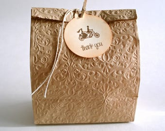 Thank You Wedding Tags, Newly Weds Gift Tags, Mr and Mrs Favor Tags, Round Tags