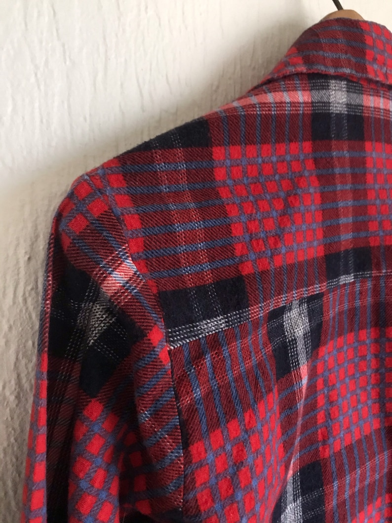 Vintage Men/'s Small Lumber Jack Cotton Flannel Shirt Red Navy Blue Long Sleeves Button Down Grunge 14-14.5