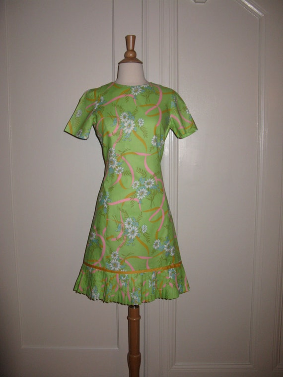 Vintage 1960s Don-About Nelly Don Sweet Floral Dre