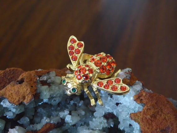 Red Bee Pin Joan Rivers, Joan Rivers Red Crystal G