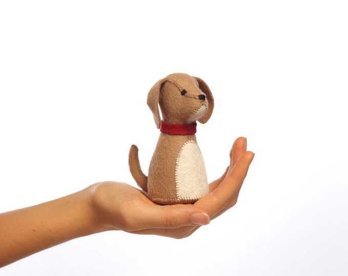 Pocket pup kit, felt puppy kit, DIY sewing kit, beginner sewing, hand-stitching, puppy ornament, crafts for kids, dog sewing kit