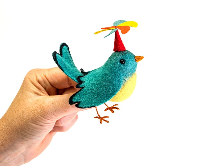 Twirly Bird kit, bird sewing, Bird sewing kit, plush bird, felt bird