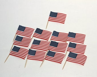 f8e13cf41881 4th of July US Flag Cupcake Toppers