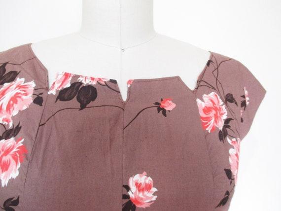 Vintage 1950s Dress | Rose Print Pink and Brown 1… - image 2