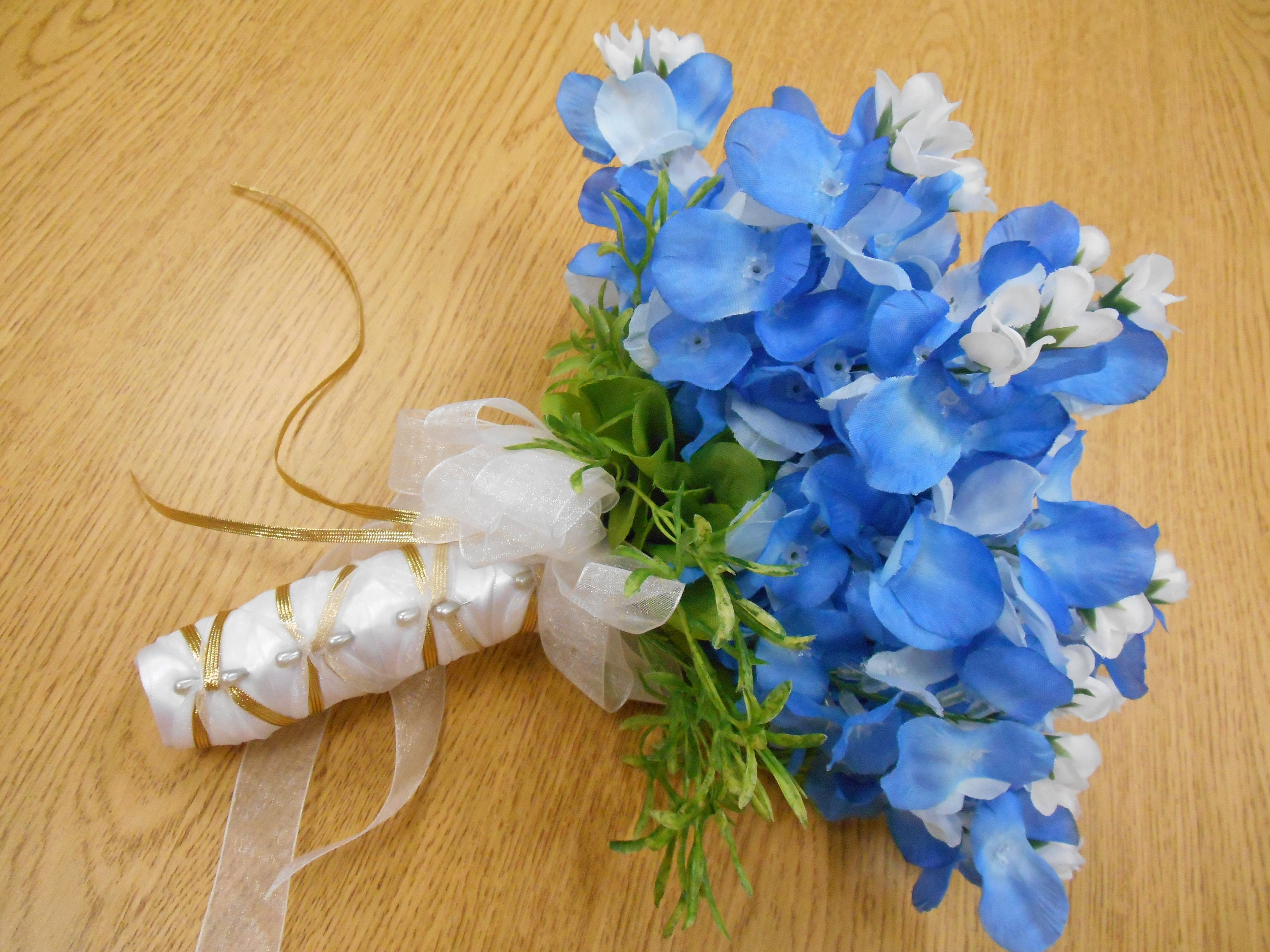 Texas blue bonnet silk bridesmaid bouquet bridal silk flowers free texas blue bonnet silk bridesmaid bouquet bridal silk flowers free matching boutonniere burlap and lace gold white blue izmirmasajfo