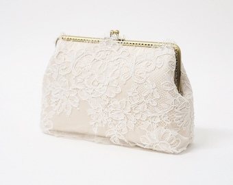 Sweet Ivory Clutch ( or Choose your color) / Bridal Purse / Bridemaid Clutch / Bridal Party clutch
