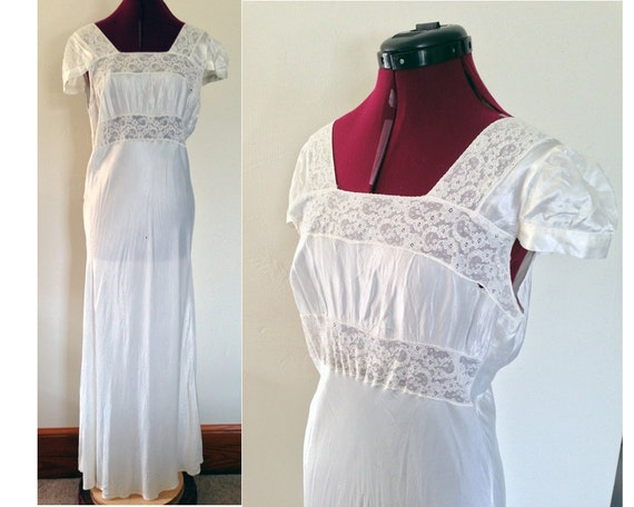1940s Nightgown White Lace Nightgown / Vintage Cap