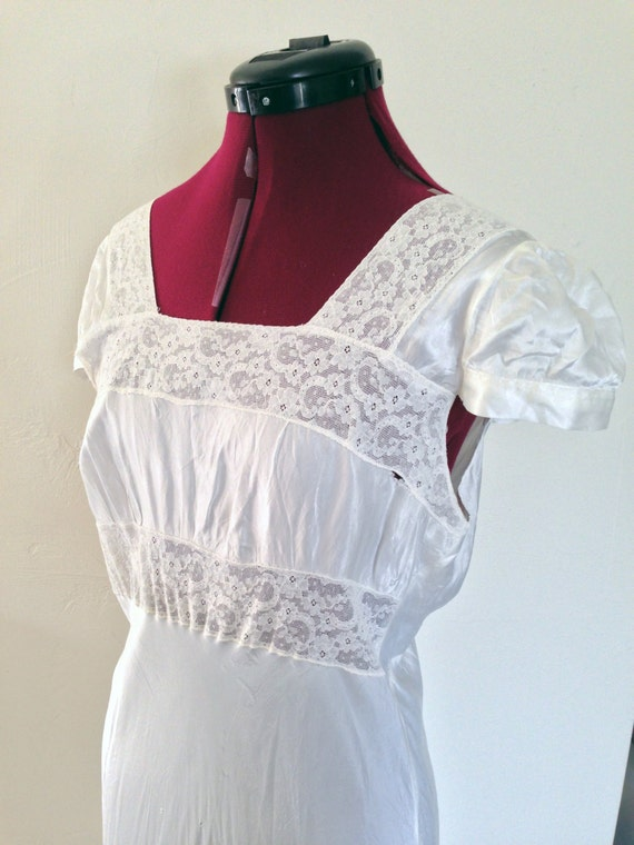 1940s Nightgown White Lace Nightgown / Vintage Ca… - image 4