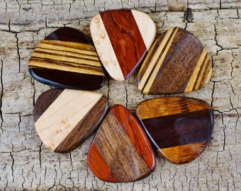ONE Multi-Wood Pick Wooden Guitar Pick -(Choose Multi-Wood Option and Design) - Wood Guitar Pick - Custom Guitar Pick - LASER ENGRAVED