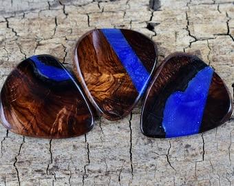 One Honduran Rosewood Burl Resin Wood Guitar Pick - One Resin and Rare Wood Guitar Pick -(Choose Pick) - Wood Guitar Pick - Very Rare Woods
