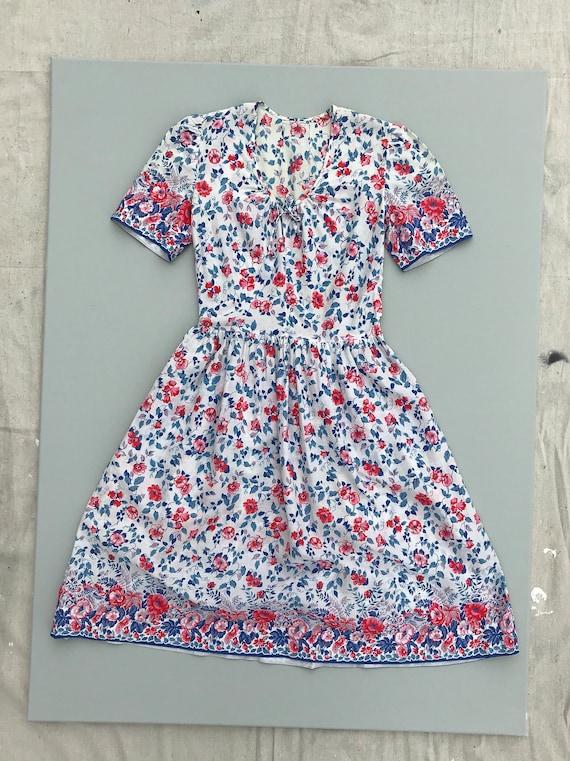 1940s Austrian cotton dress . vintage 40s fresh wh