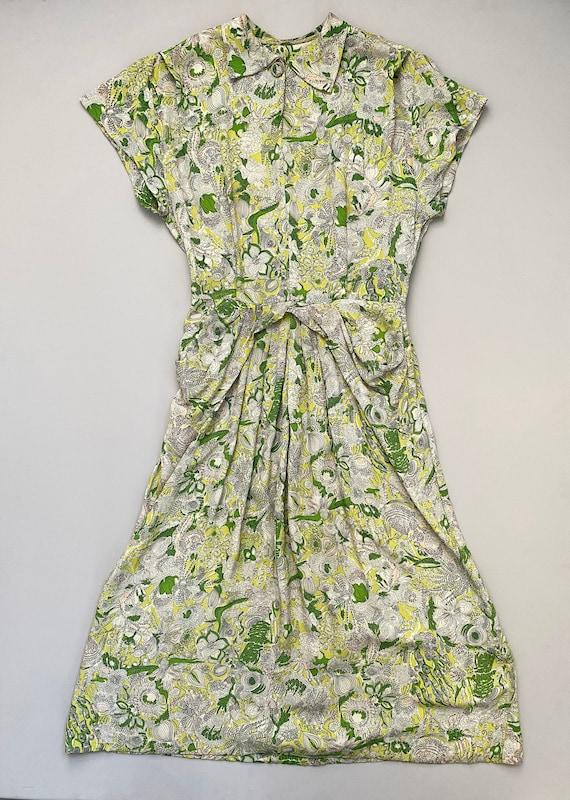 1940s printed rayon dress . vintage 40s chartreuse