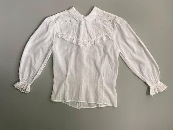1930s 1940s eyelet lace white blouse. 30s 40s vint