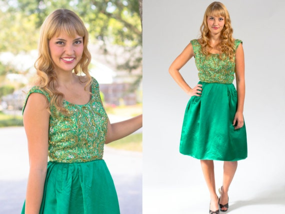 dbff149e83 Vintage party dress size XS emerald green 60s decade