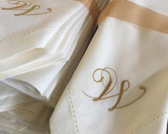 Bulk Monogrammed Wedding Cloth Napkins, 25 set, wedding napkin, wedding linens, embroidered cloth napkins, wedding gift, monogrammed napkins