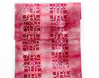 Block Print Table Runner in Pink, Hand Dyed Table Runner, Hand Dyed Fabric, Cotton Table Runner, Dip Dyed Runner