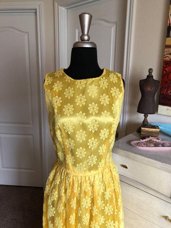 Vintage 1960's Bright Yellow Floral Lace Dress Me… - image 7
