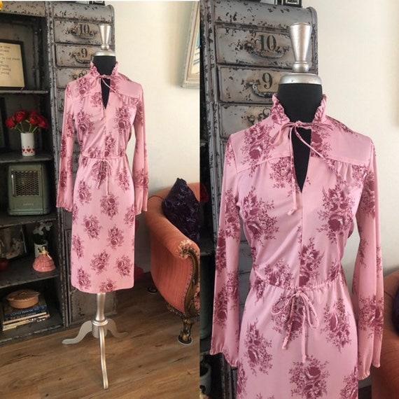Size Medium Pink Faux Suede Suit Ladies Womens 1970s 70s jacket skirt winter pencil seventies retro seventies blazer small beige peach mauve