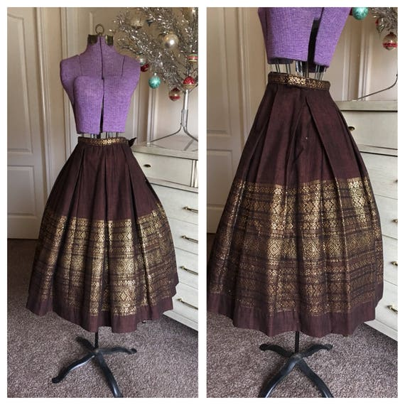 Vintage 1950's Brown and Gold Hand Woven Pleated B