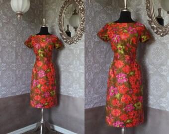 Vintage 1950's 60's Tori Richard Hawaiian Floral Print Fitted Dress Small