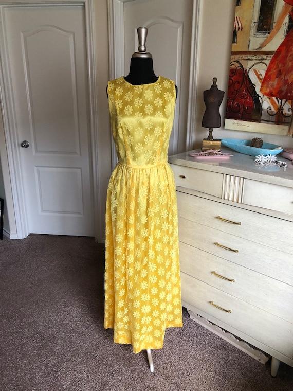Vintage 1960's Bright Yellow Floral Lace Dress Me… - image 5