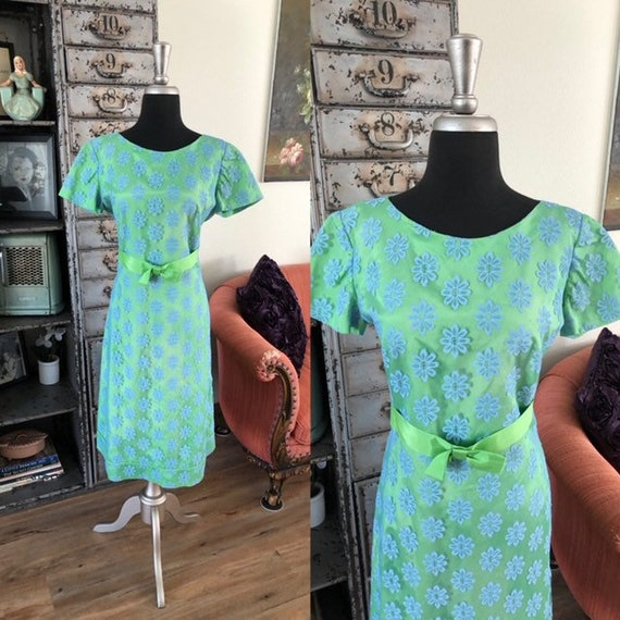 Vintage 1960's Green and Blue Daisy Dress XL