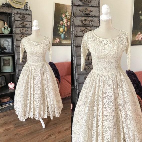 Vintage 1950's Lorrie Deb Lace Wedding Dress XXS
