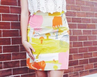 M Pencil skirt in mod cotton fabric. House, trees, mushrooms, hedgehog, shoes. Yellow and orange, neutral. Size medium women's.