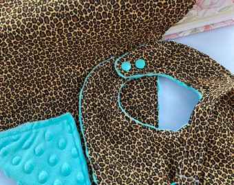 Baby carrier bib facing the world by Couture Carambole