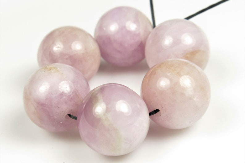 originally 19.48 BARGAIN 6 beads B9546 Charming Violet Beauty ~ Rare Valuable Natural Lilac Kunzite Large Round Bead close to 14mm