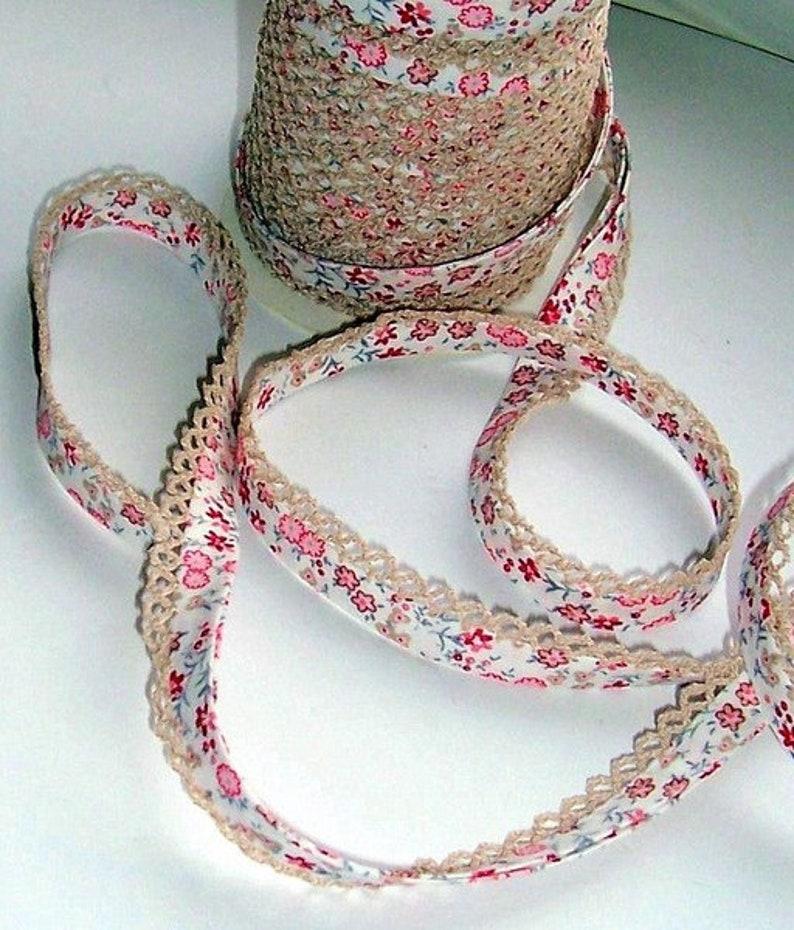 39 1 m diagonal tapetie with crochet trim No