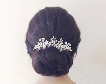 Gioielli per capelli e acconciature per le nozze  875be9a46cc3