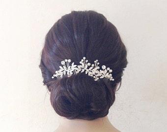 Gioielli per capelli e acconciature per le nozze  d5bed3ec7e83