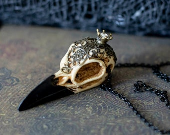 Gothic Resin Raven Skull Pendant Necklace for Vampire Costume, Witch Costume, Witchcore, Vampirecore, Dark Fairy, Goth Wedding