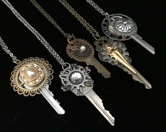 Steampunk Key Necklace- Vintage Steampunk Gear Necklace- Steampunk Key Pendant- Steampunk Gear Jewelry- Steampunk Key Jewelry- Steam Punk