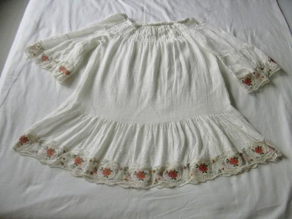 VIntage Peasant Boho Lace Embroidered Floral Trim