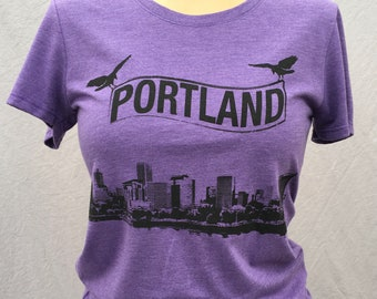 Crows Over Portland, Cityscape, Rose City, PDX, Tourist, Gift, Cool Shirt, Tee, Tshirt